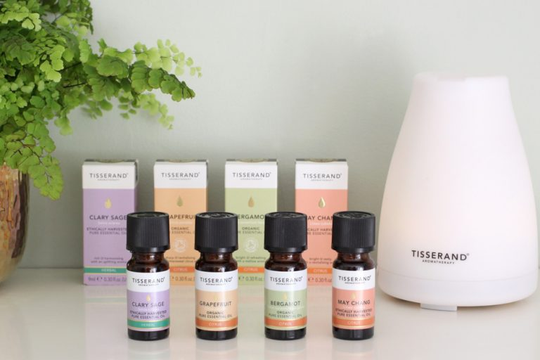 Uplifting diffuser blends for a happy home